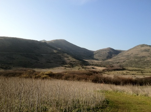 view_from_bobcat_trail_across_gerbode_valley_to_miwok.jpg
